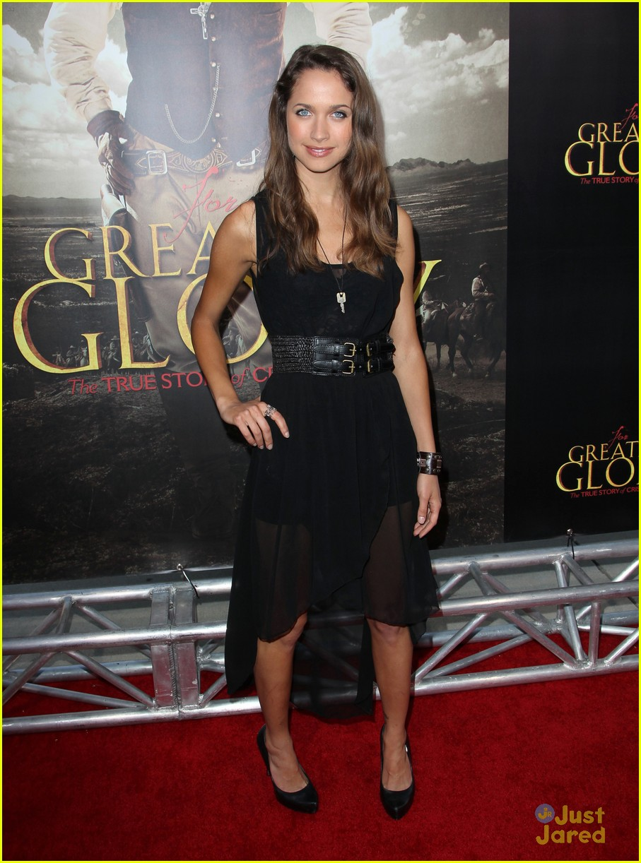 maiara walsh greater glory 11
