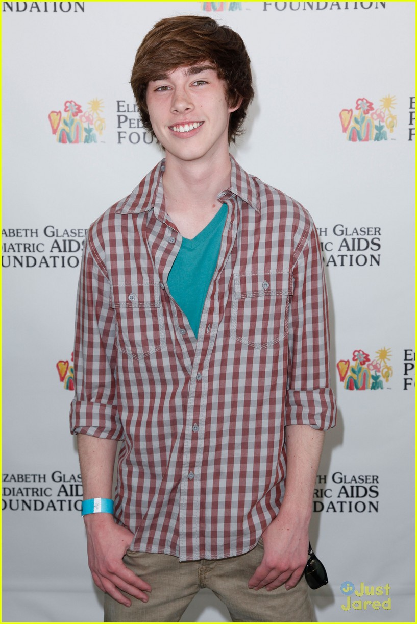 max schneider noah crawford ped aids 01