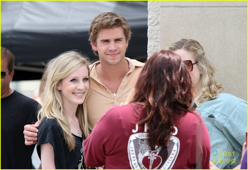 miley cyrus liam hemsworth nola 07