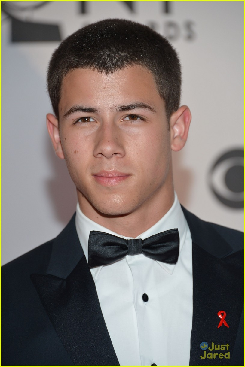 nick jonas tony awards 07