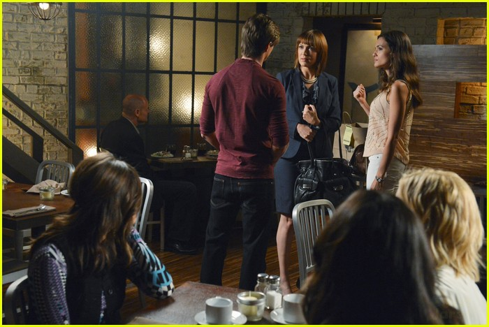 pll birds feather stills 07