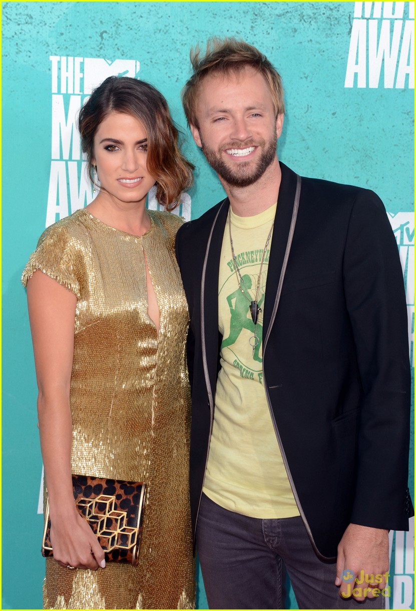 jackson rathbone nikki reed mtv movie awards 02