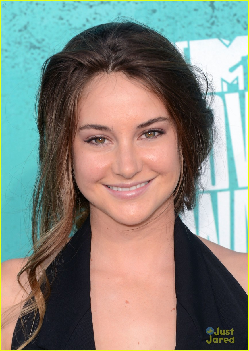 shailene woodley mtv movie awards 17