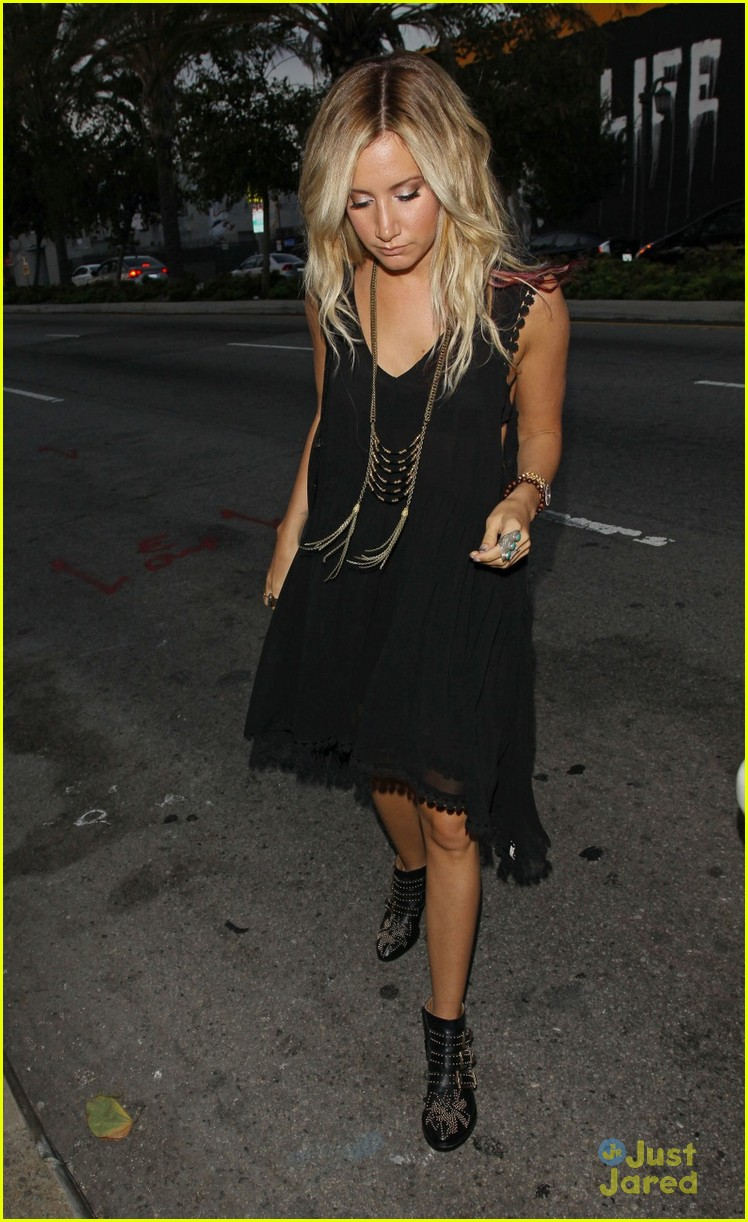 ashley tisdale 901 trip 03