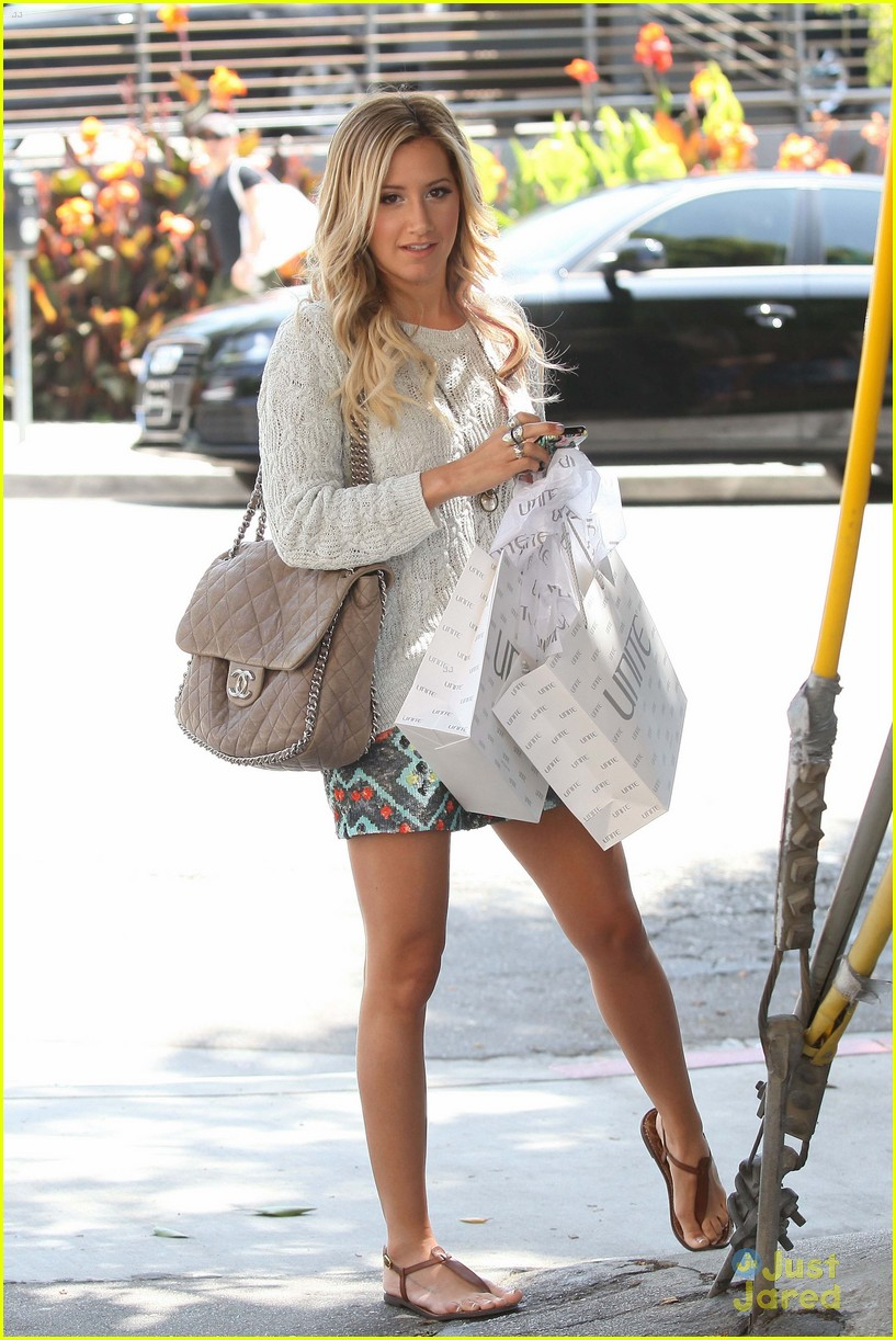 ashley tisdale unite shopper 02
