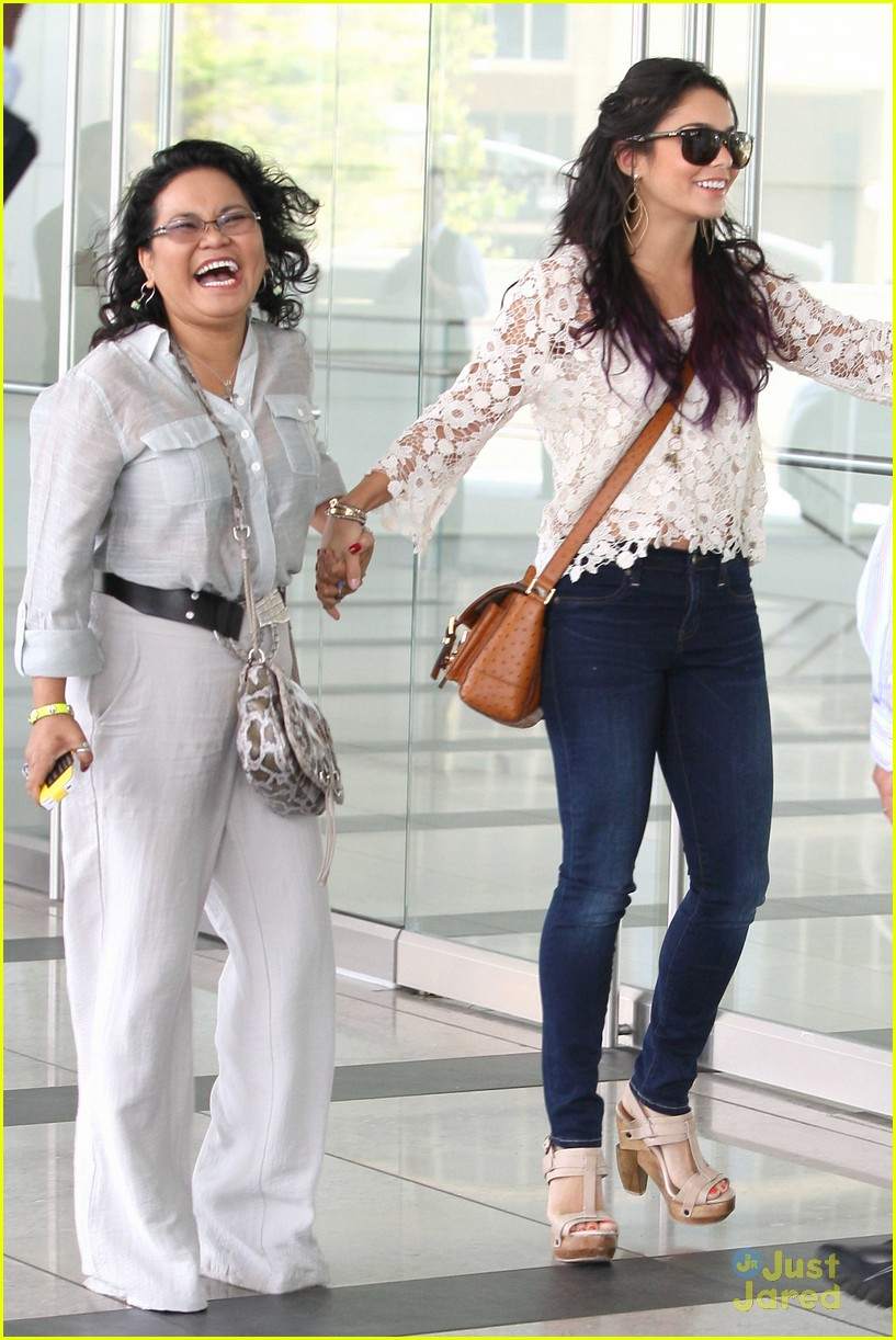 vanessa hudgens century city mom 11