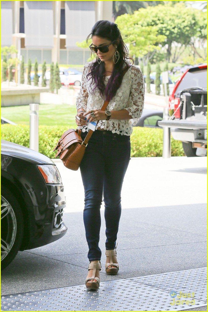 vanessa hudgens century city mom 13