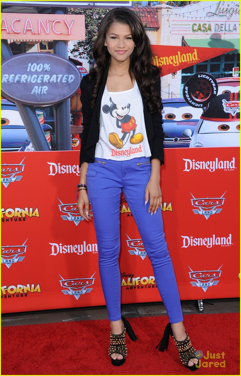 zendaya cars land opening 01