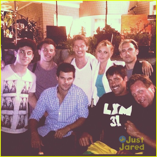 alyson michalka david henrie grown ups 01
