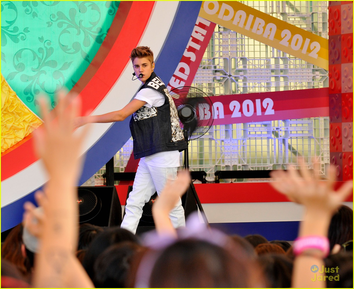 justin bieber tokyo fuji tv concert 02