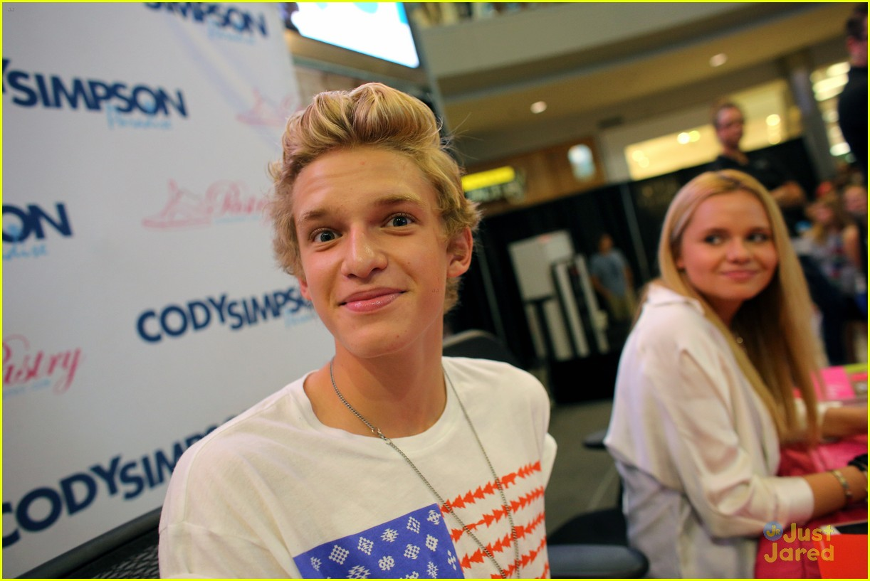 cody simpson mall america 14