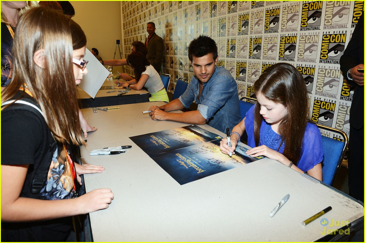 foy comic con 10