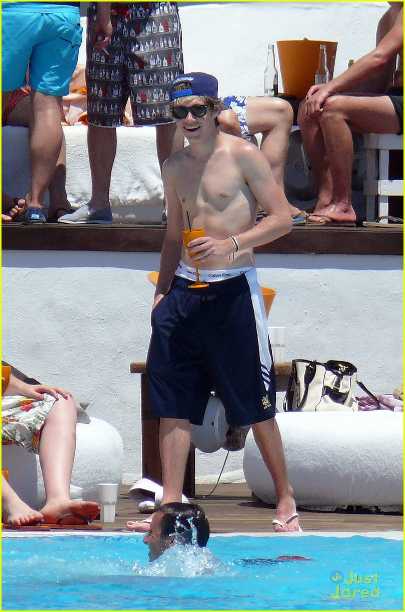 horan shirtless 04