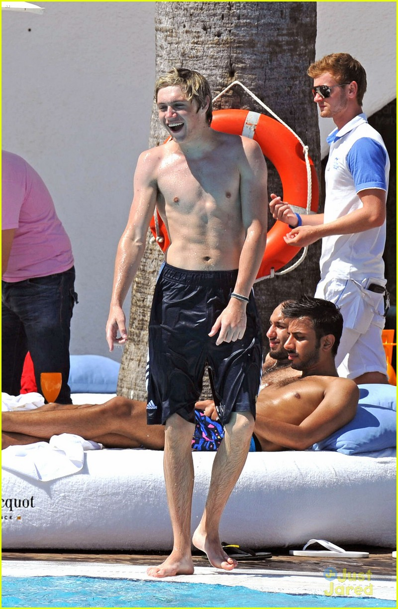 horan shirtless 06
