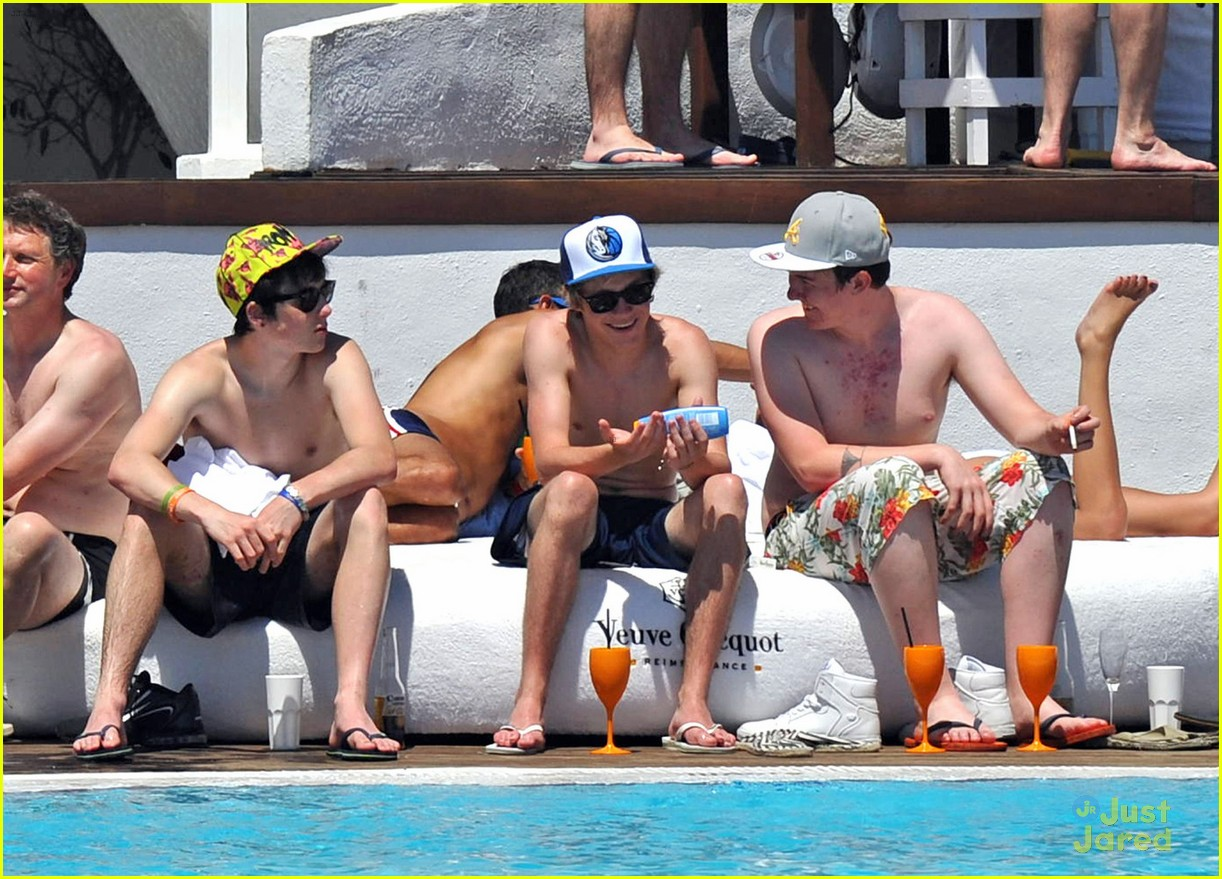 horan shirtless 08