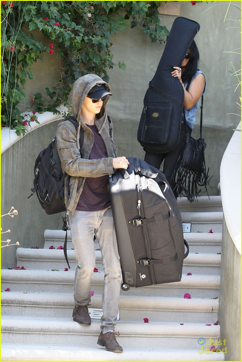 hudgens packing car 04