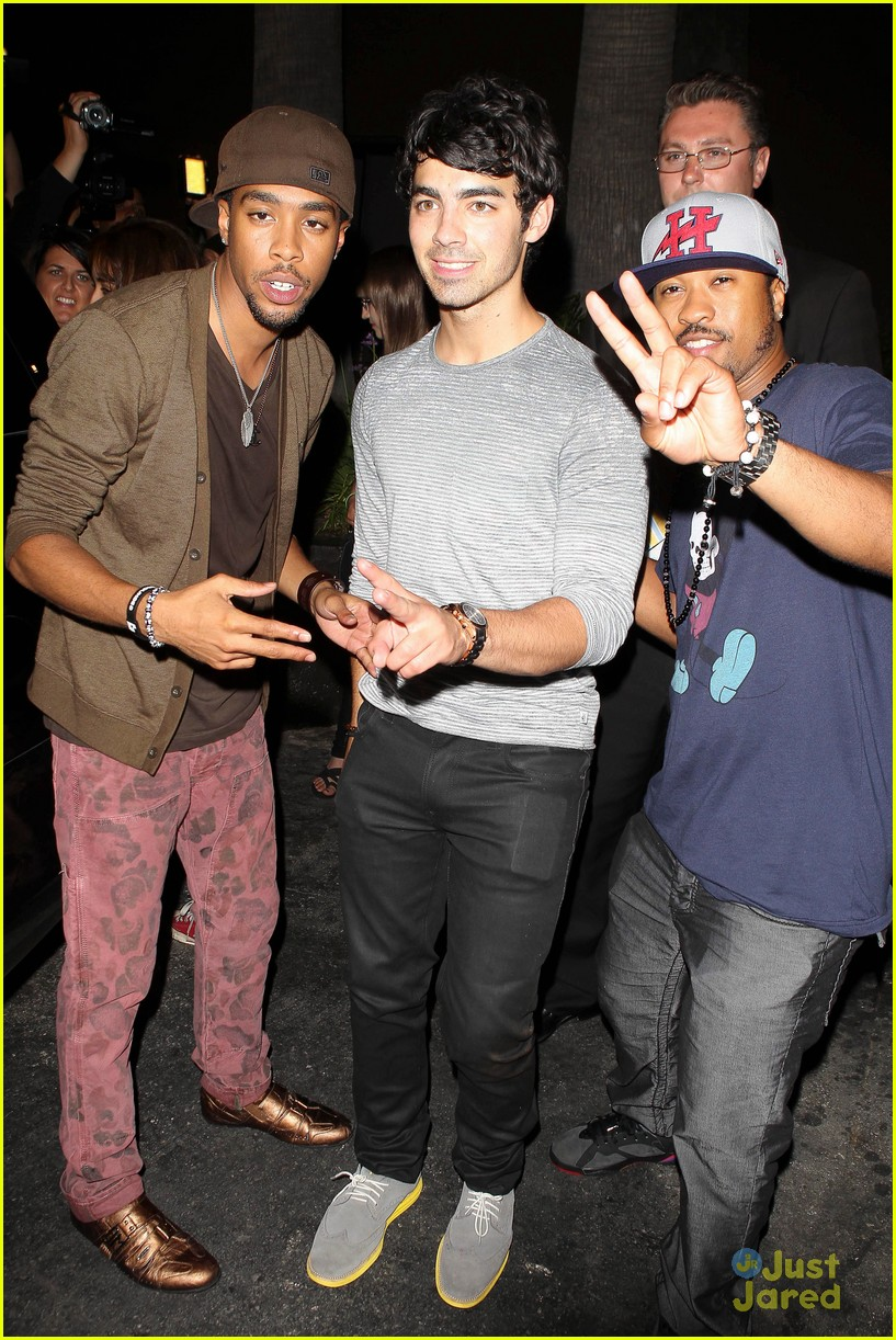 joe jonas mdot finley dinner 04