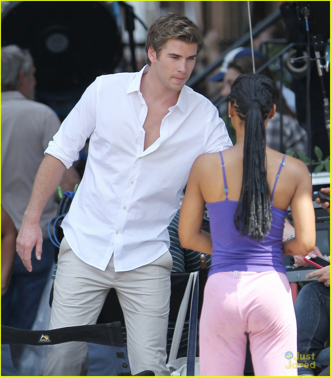 liam hemsworth scene stealer 05
