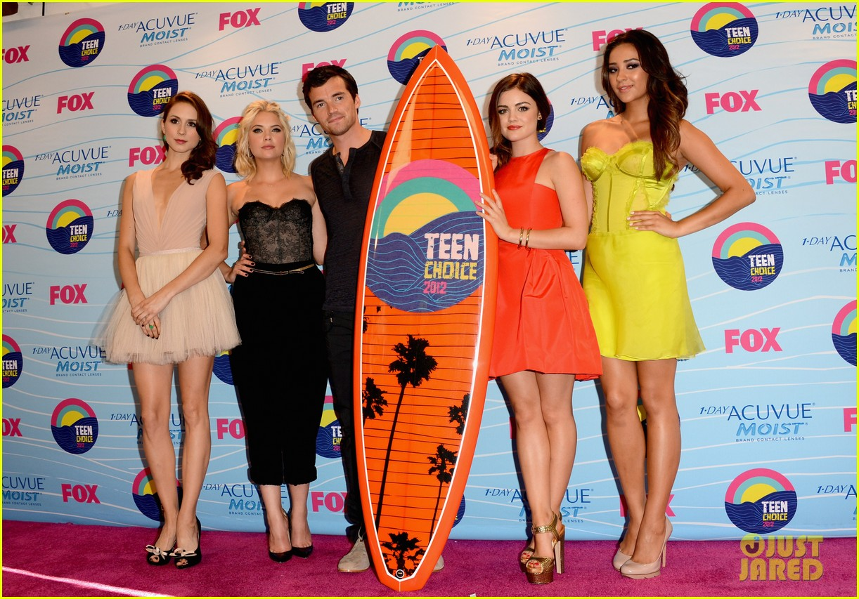 lucy hale teen choice awards 2012 10
