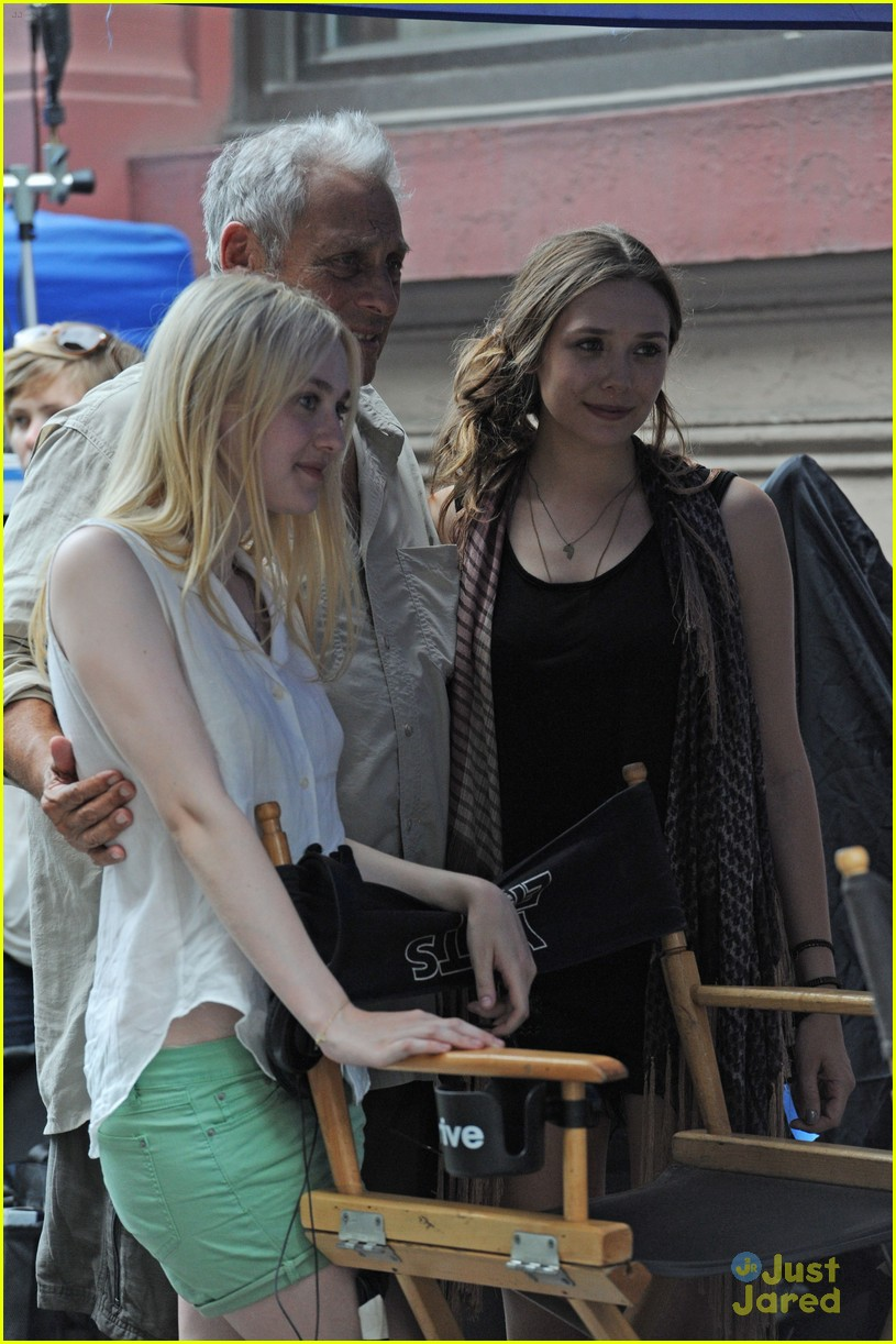 dakota fanning elizabeth olsen vgg set 03