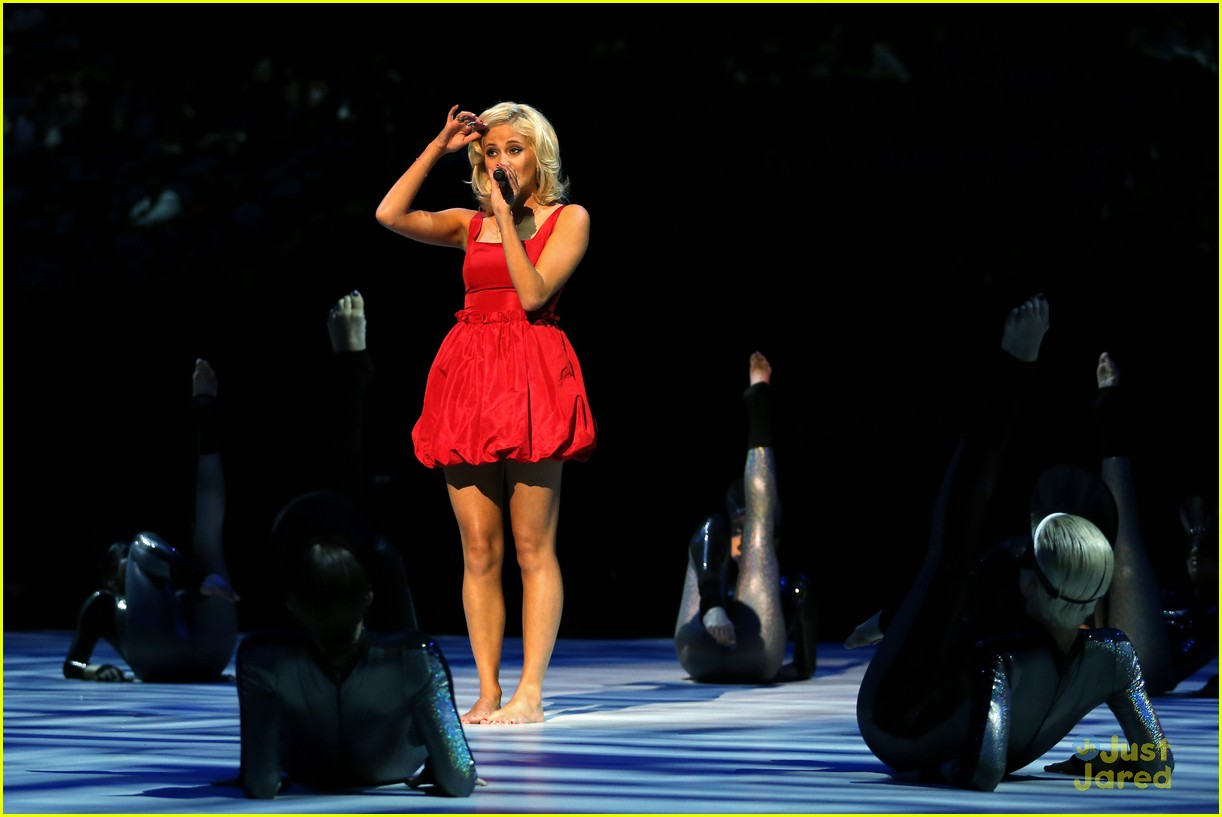 pixie lott olympic performer 02