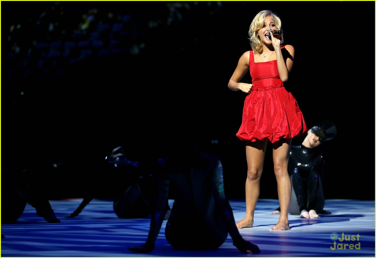 pixie lott olympic performer 05