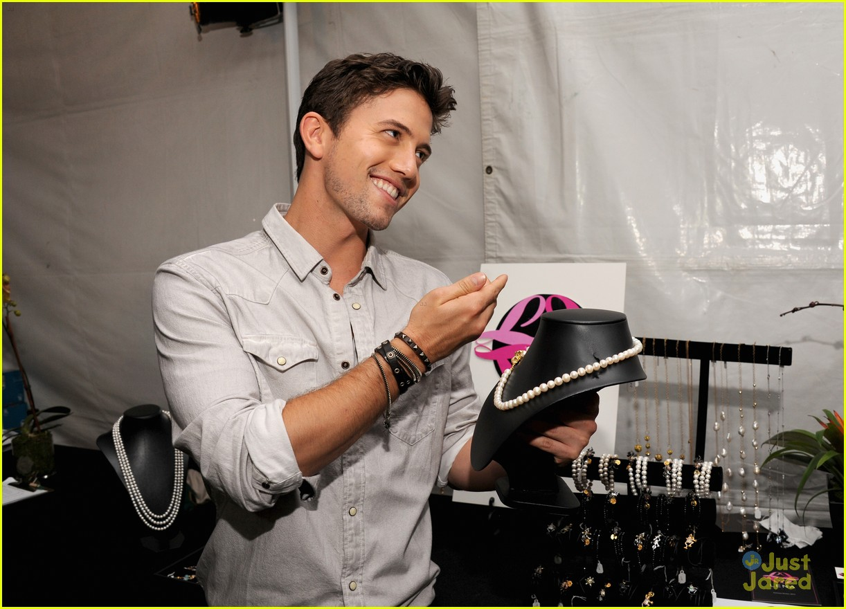 nikki reed jackson rathbone backstage creations 01