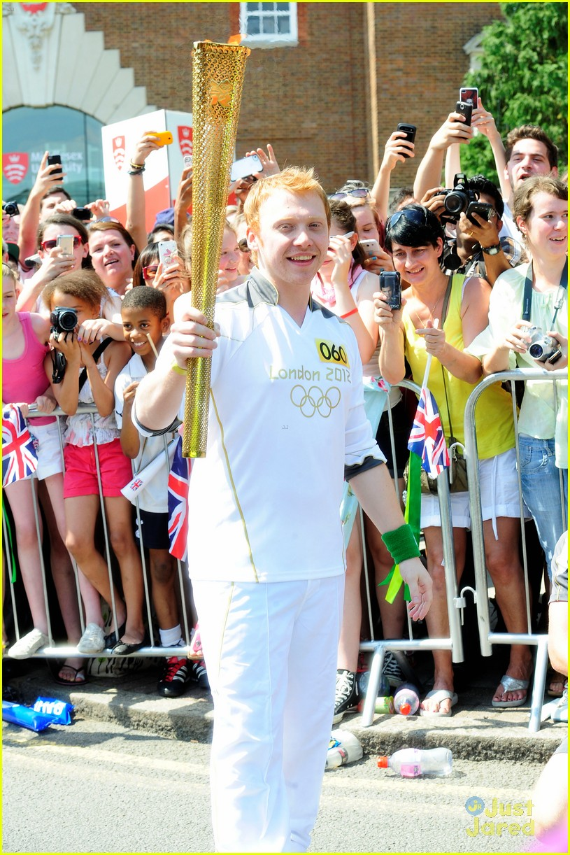 rupert grint olympics torch runner 03