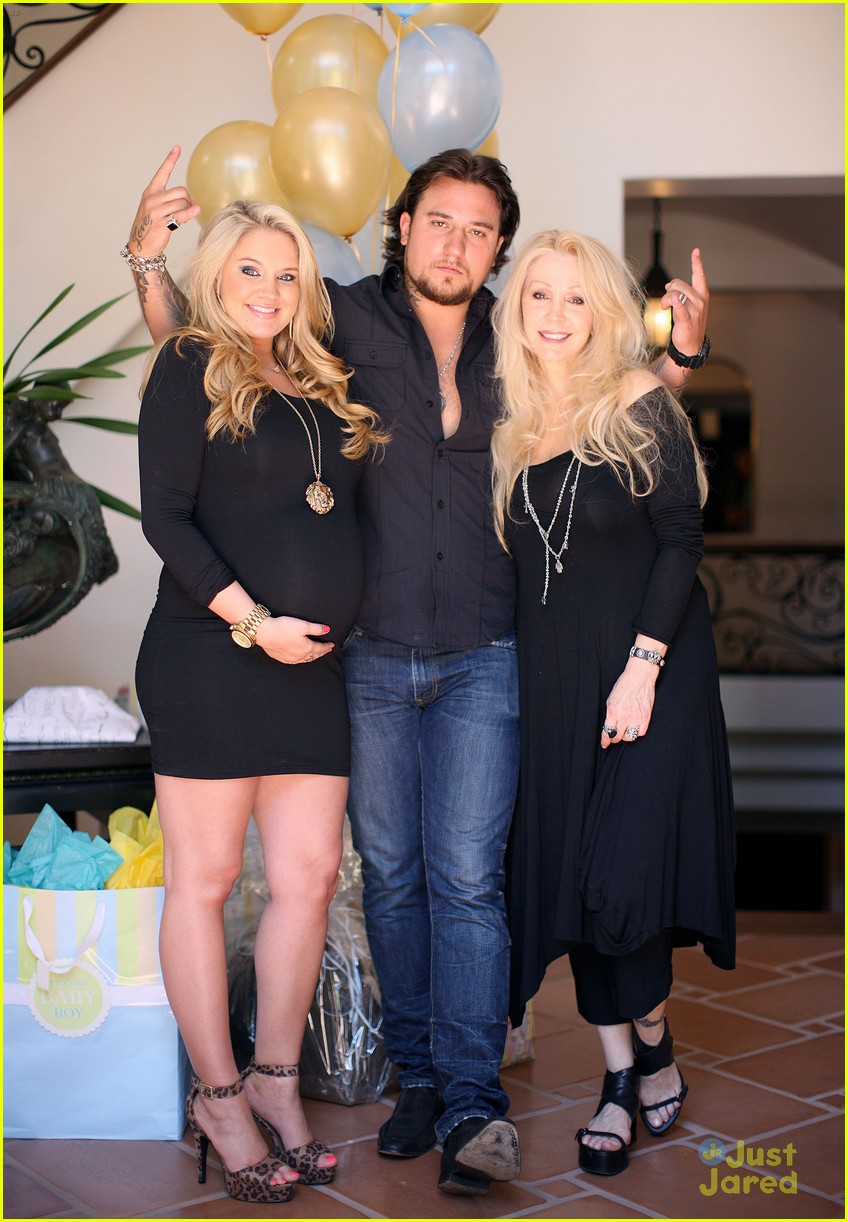zac efron tiffany thornton baby shower 14