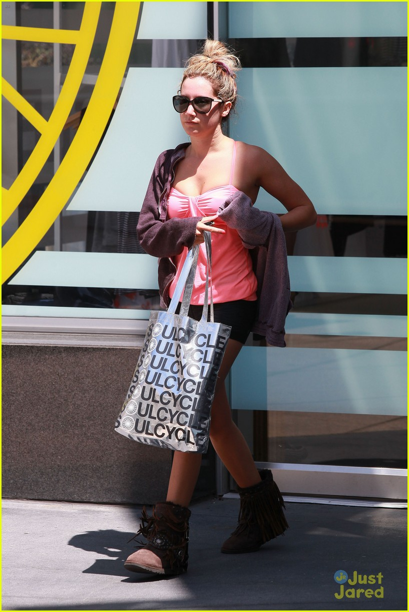 ashley tisdale gym time 03