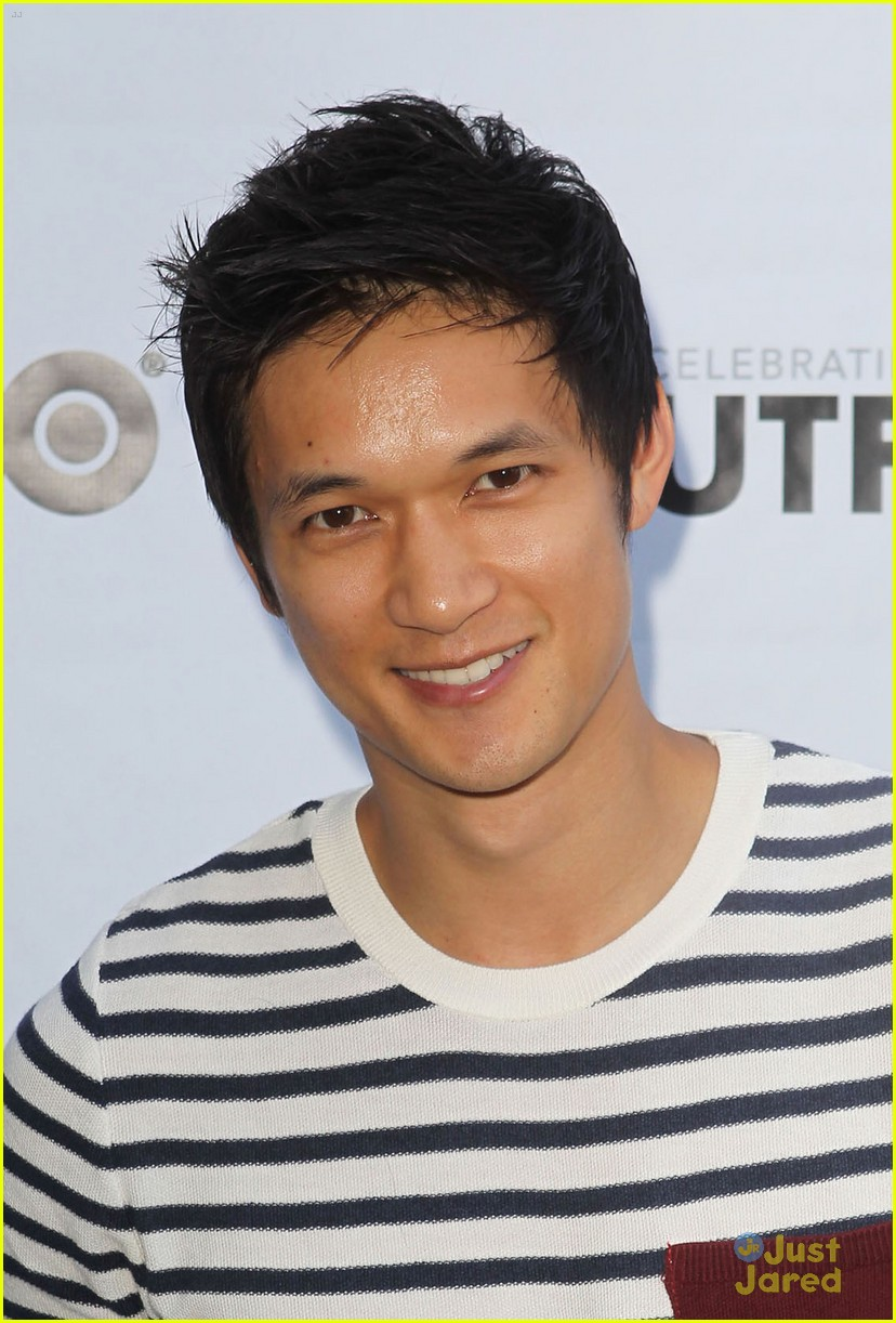 tyler posey harry shum white frog 07