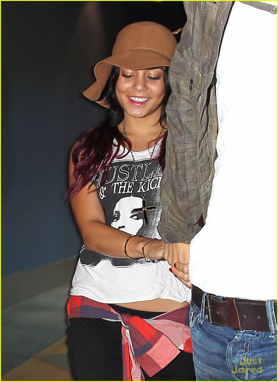 vanessa hudgens dark knight date 04