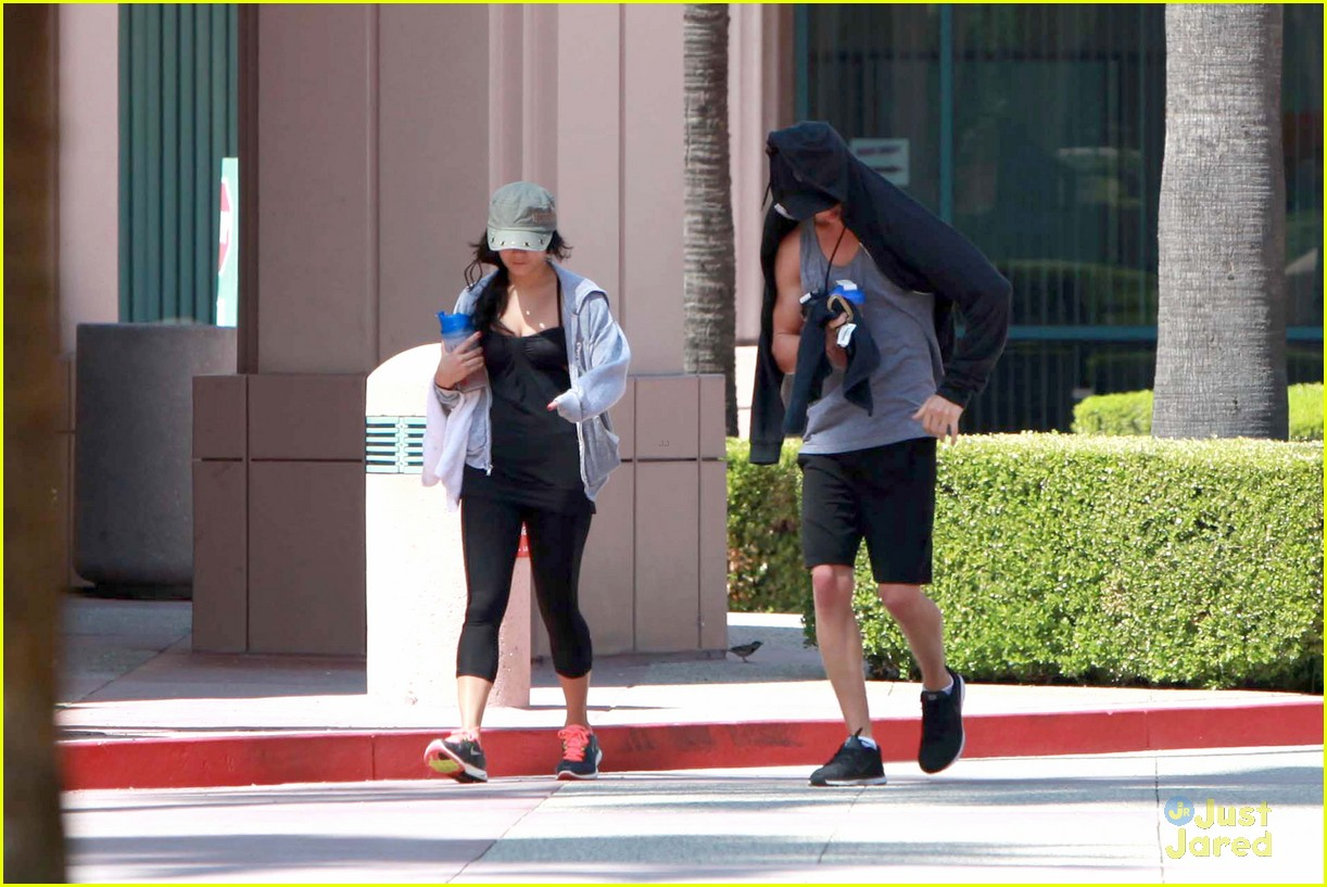 vanessa hudgens nails gym 14