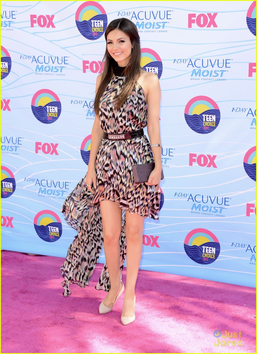 victoria justice tcas 2012 06