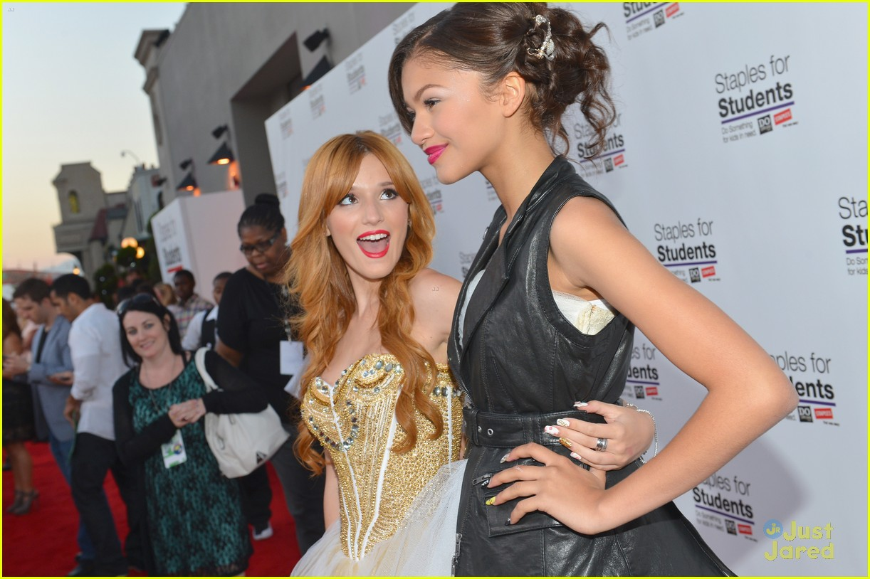 zendaya do something staples party 09