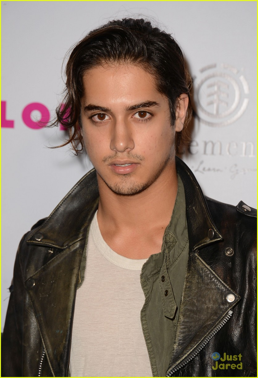 avan jogia tyler blackburn nylon 02