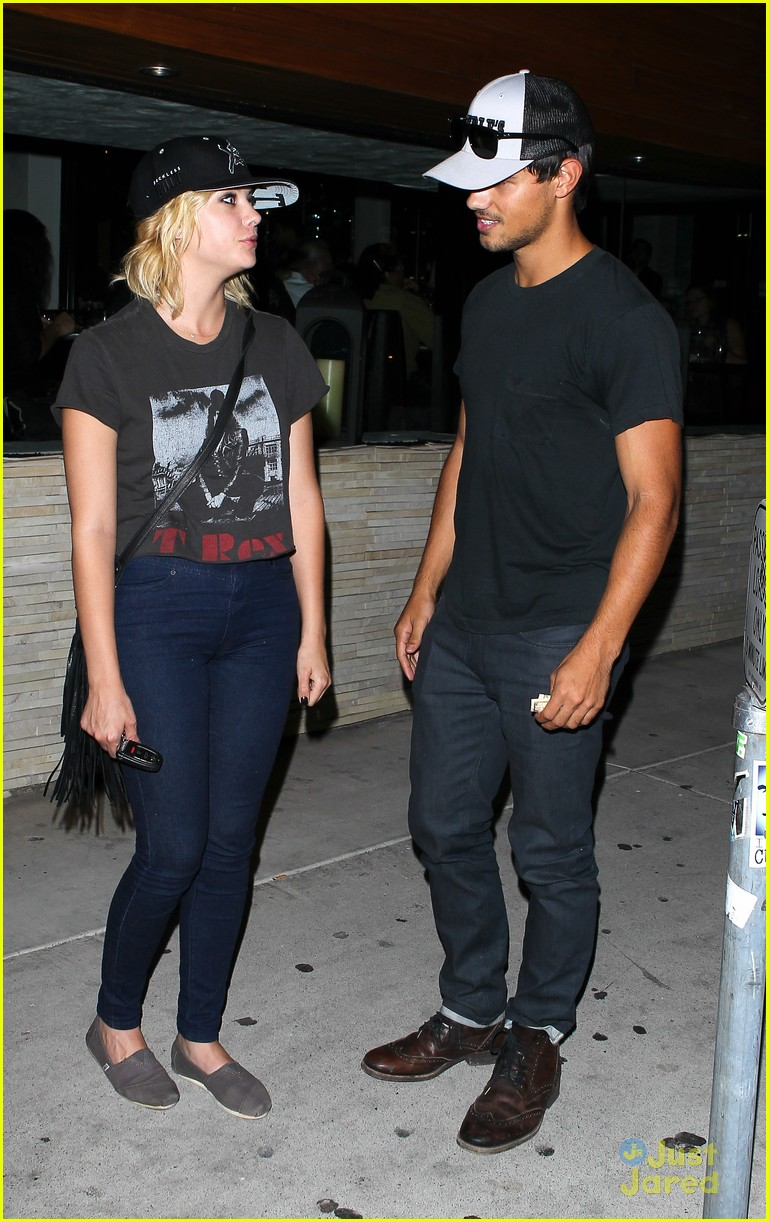 ashley benson taylor lautner red o 07