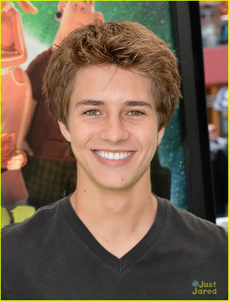 billy unger sierra mccormick paranorman 04