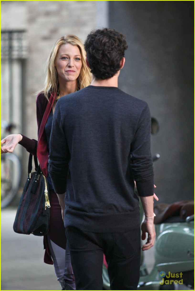 blake lively penn badgley vespa 30
