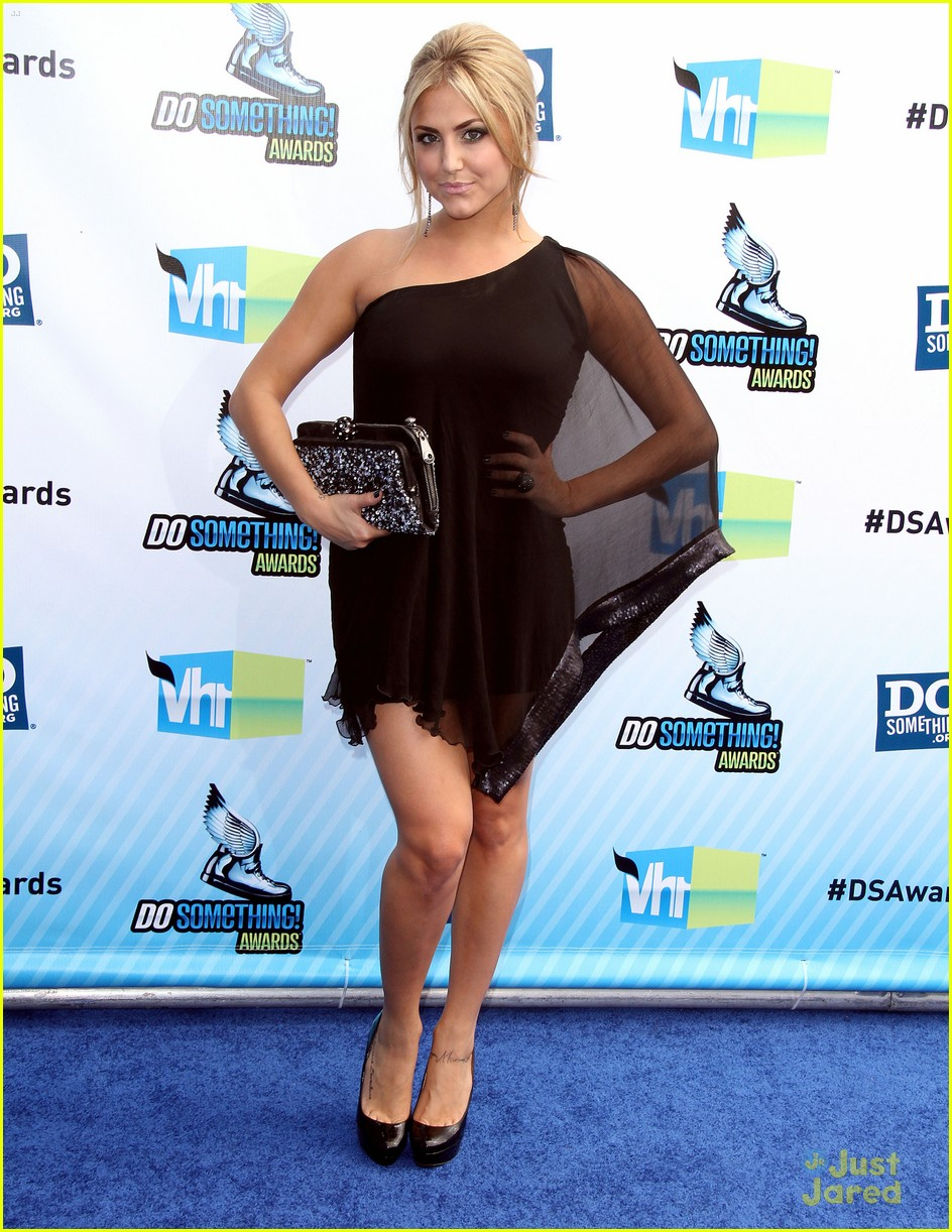 cassie scerbo ds awards 06