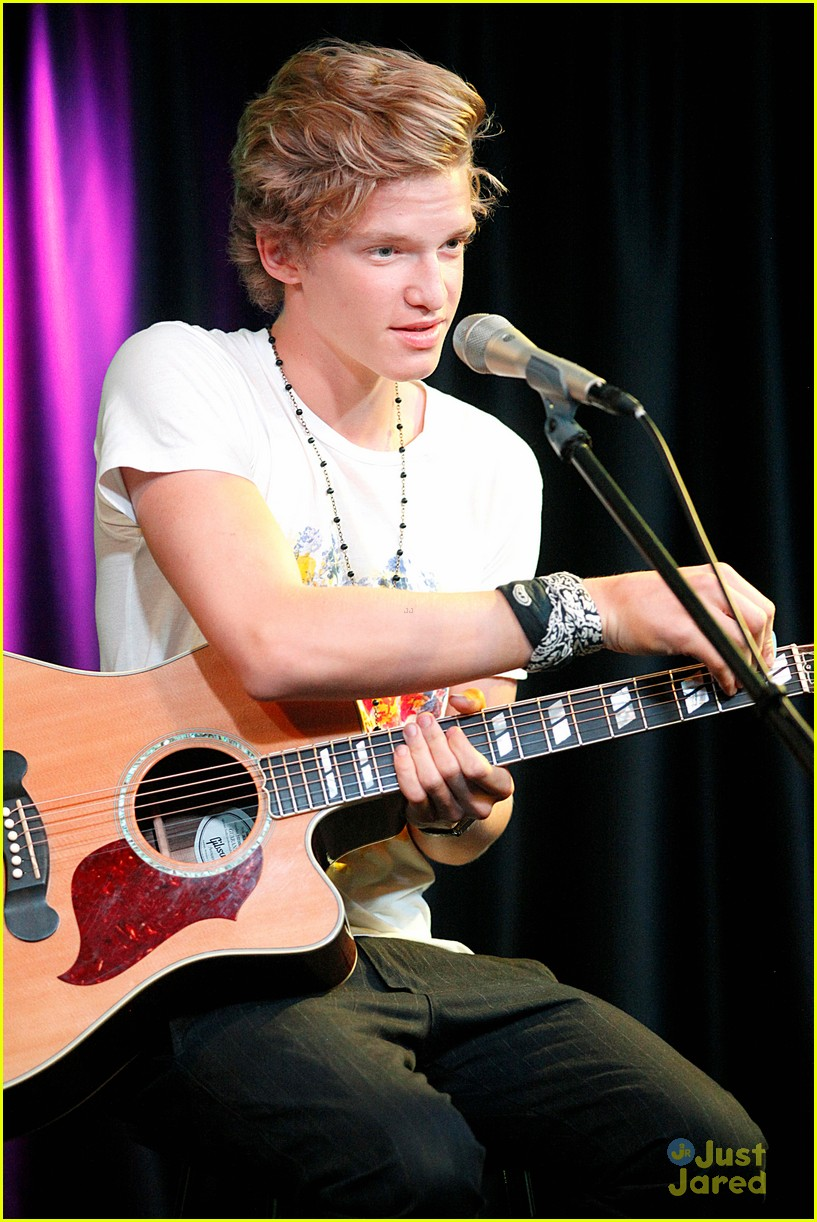 cody simpson q102 concert 13