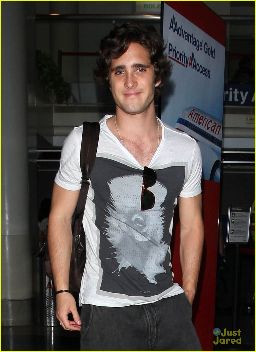 diego boneta lax arrival 02