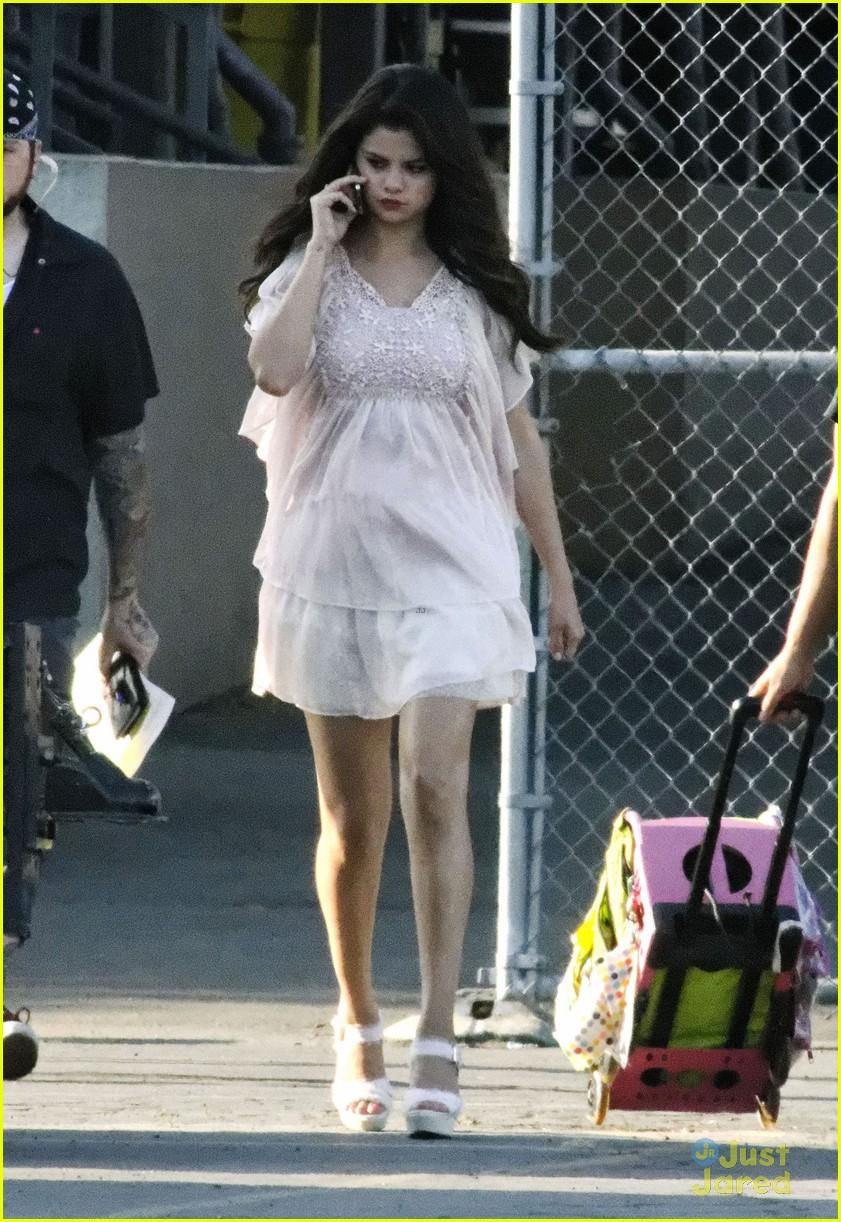 Selena Gomez: 'Parental Guidance' Saturday! | Photo 486610 ...