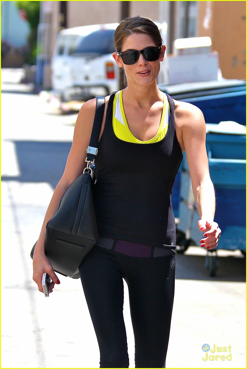 ashley greene workout monday 03