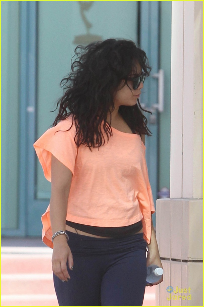 vanessa hudgens orange top 03