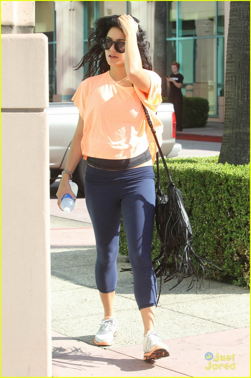 vanessa hudgens orange top 04
