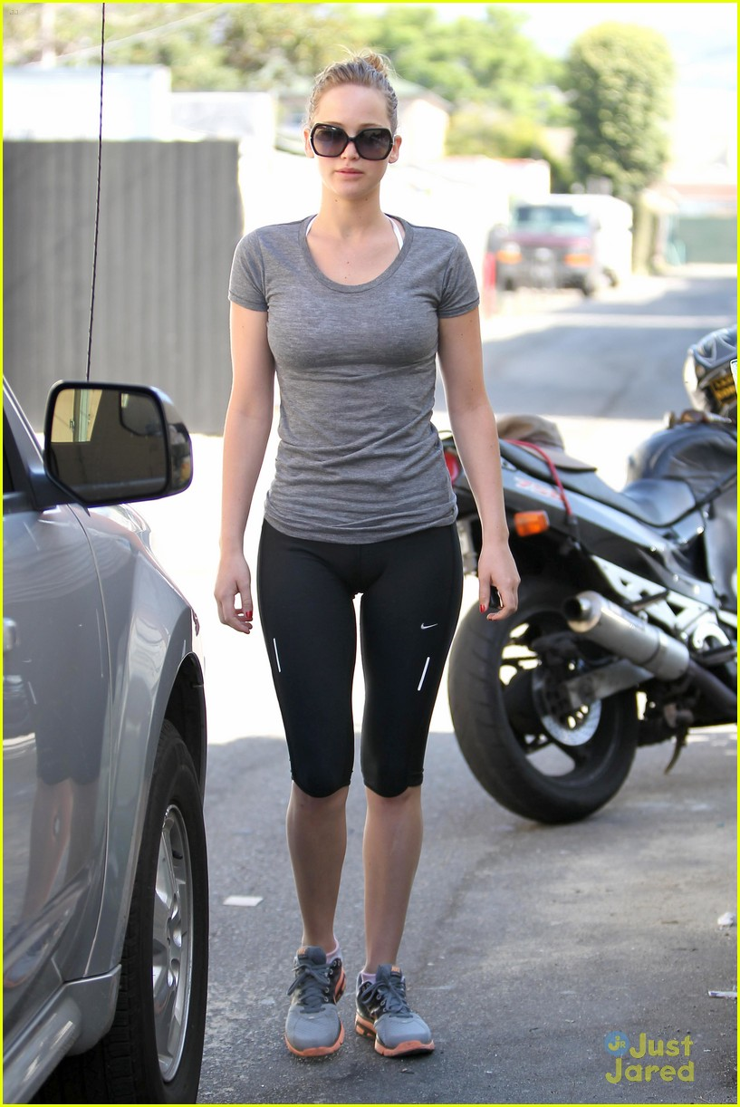 jennifer lawrence boxing gym 01