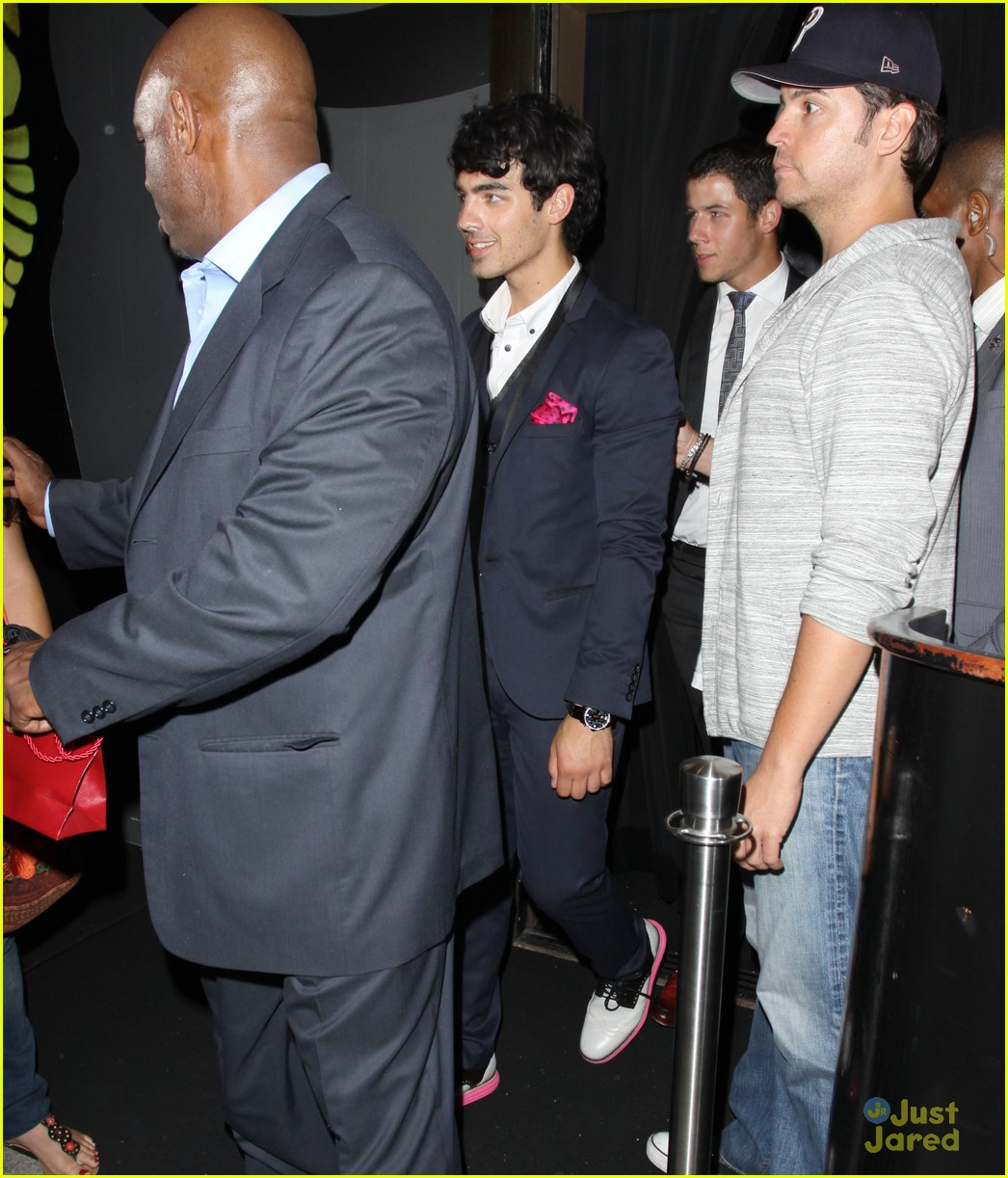 nick joe jonas hyde hollywood 04