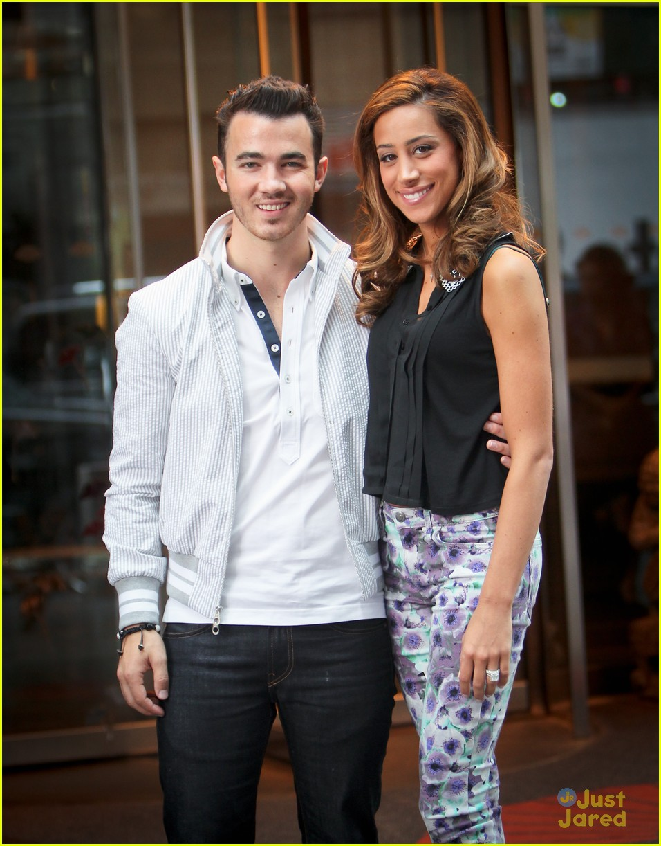 kevin danielle jonas hotel nyc 02