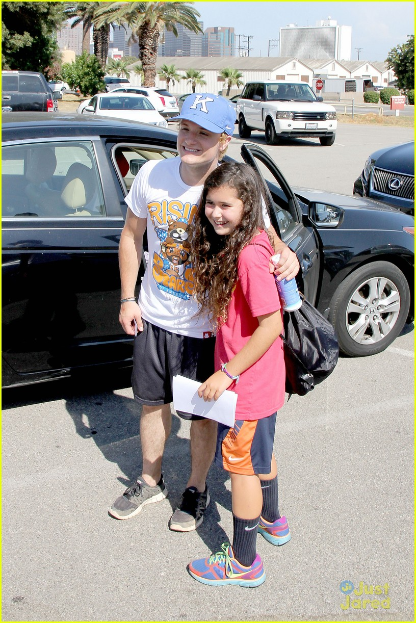 josh hutcherson kickball game 02